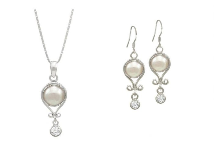 pearl earrings and necklace